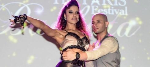 Tanja La Alemana performing
